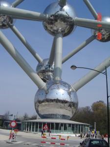 Carga y portes mudanzas a Bruselas Atomium